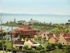 Amatique Bay Resort And Marina