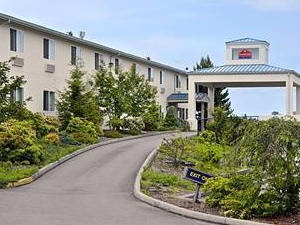 Holiday Plaza Sequim Inn and Suites