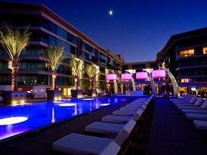W Scottsdale Hotel & Residences