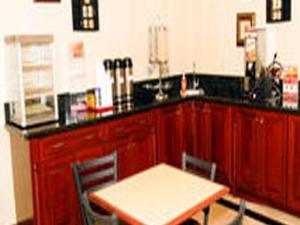 Regency Inn and Suites - Blythe