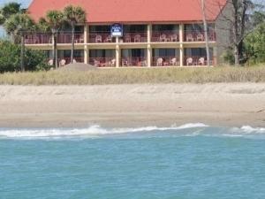 The Royal Inn Beach Hotel Hutchinson Island
