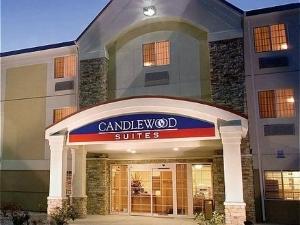 Candlewood Suites North - Milwaukee