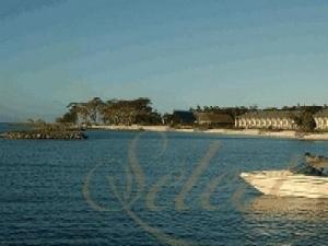 Aggie Greys Lagoon Beach Resort and Spa