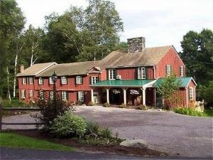 Timberholm Inn