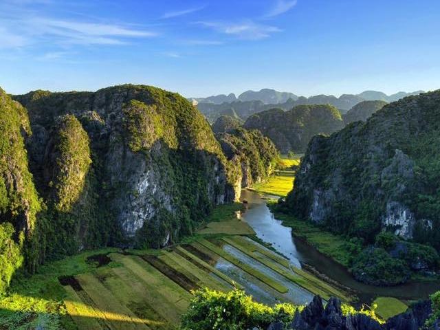 Hoa Lu - Tam Coc - Cuc Phuong National Park Photos