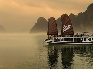Best Hanoi and Ha Long Bay Tour 4 Days Photos