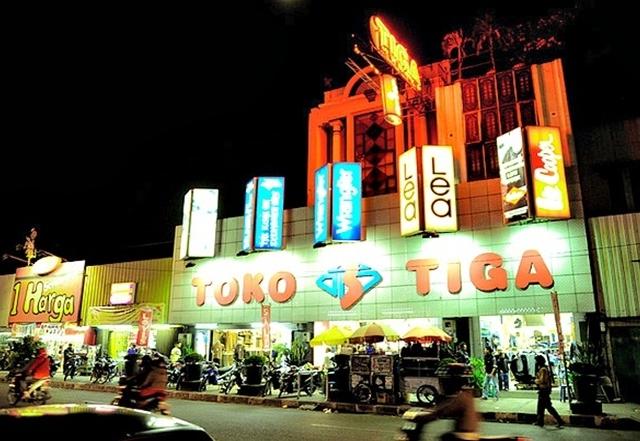 Bandung Lembang Shopping Mania Photos