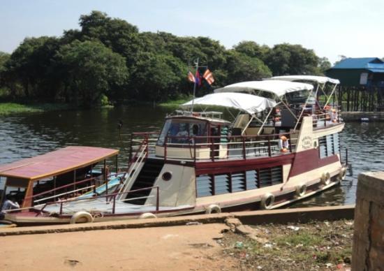 Siem Reap to Phnom Penh Cruise Tonle Sap River Photos