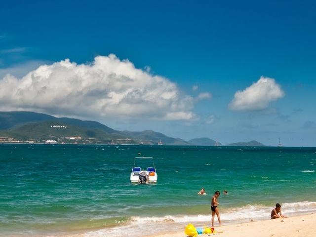 Vietnam Beach Break Tour Photos