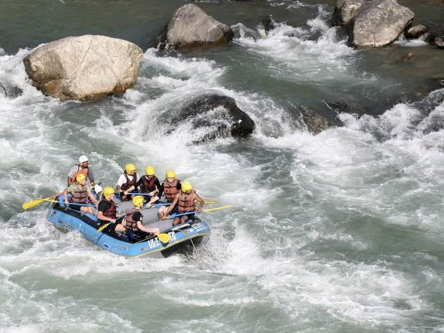 Rafting in Nepal Photos