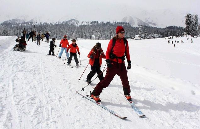 Skiing Mania Photos