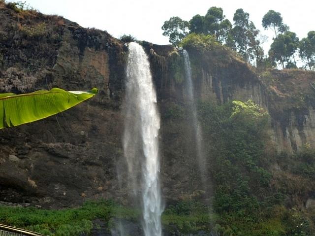Siipi Falls Photos