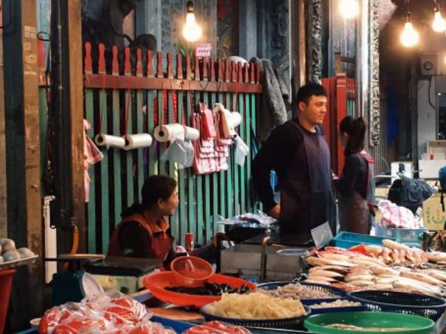 Beijing Day Tour : Morning Market, Hutong, Zoo, Summer Palace Photos