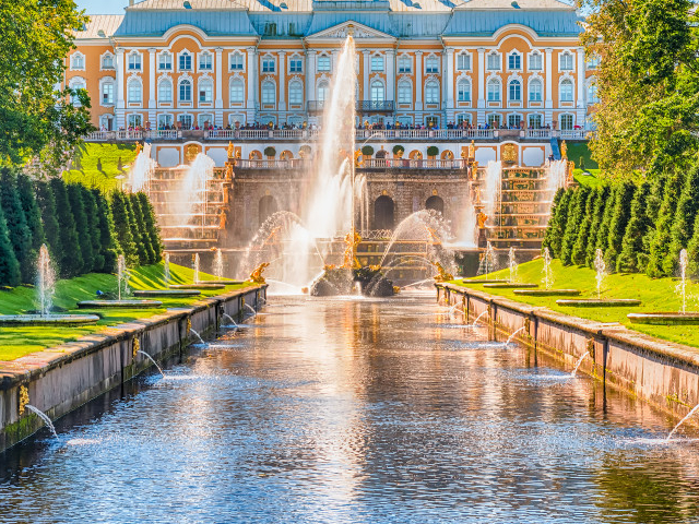Peterhof Tour with Private Driver and Hydrofoil Ride Photos