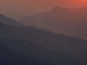 Sunrise Temple Day Hike in Rishikesh