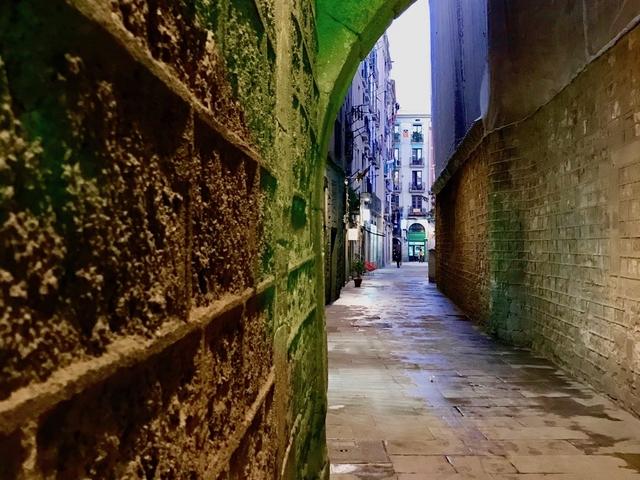 Explore Hidden Streets With A Guide Photos