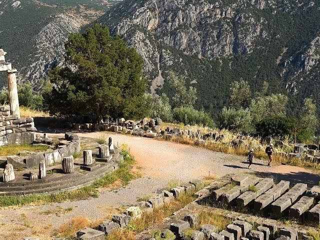 Delphi and Meteora Tour from Athens Photos