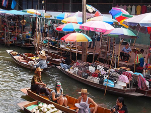 Private Excursion to Maeklong and Damnoensaduak Floating Markets