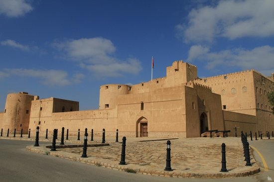 Fascinating Forts of Oman (Nizwa - Jabreen -Bahla) Photos