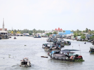 Mekong Delta 1 day with the Chocolate drop (Cai Be-Vinh Long) Photos