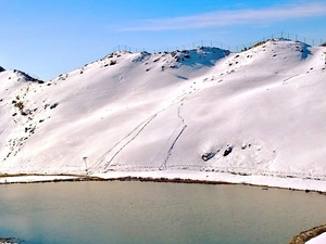 Winter Weekend Parashar Lake Trek
