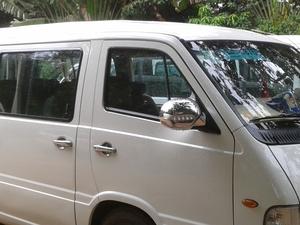 Private Mini Van(1-10 person) $45 per day. Fotos