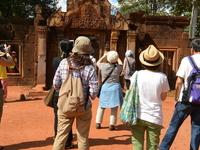 Banteay Srey & Angkor Wat Tour