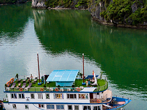 Hanoi - Halong Bay - Sapa tour Free Upgrade to 4-Star Cruise & Snorkeling