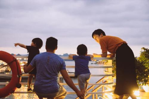 Vietnam Summer Holidays with Cruise Visiting 3 Bays Photos