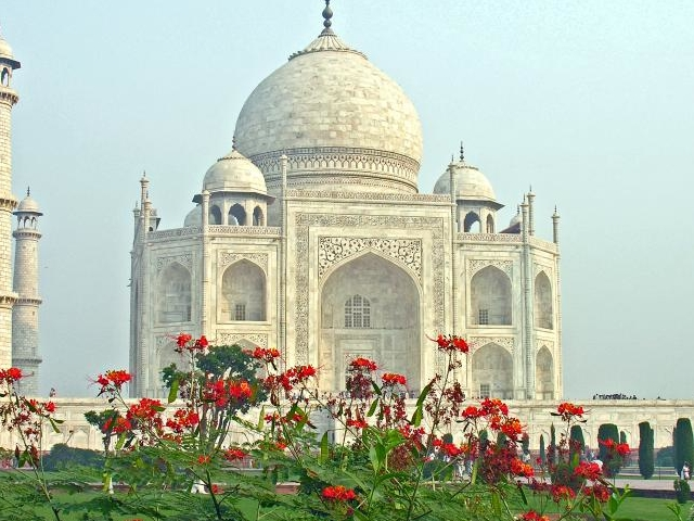 Taj Mahal Day Tour from Delhi by A/c Private Cab Photos