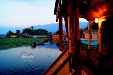 Dal Lake Houseboats Kashmir