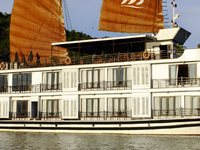 Vietnam Tonkin Travel & Halong Pelican Cruise Deals