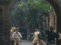 Hanoi City tour- Halong Bay Cruises 2days - Shuttle Bus
