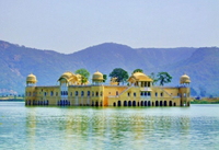2-Day Private Tour of Jaipur from Delhi: City Palace, Hawa Mahal, Amber Fort and Elephant Ride