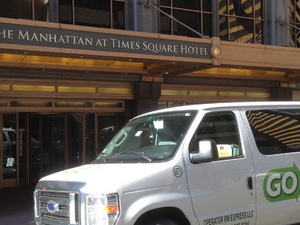 Shared Departure Transfer: Hotel to New York City Airports Photos