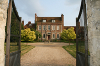 'Downton Abbey' TV Locations Tour of Oxfordshire from London Photos