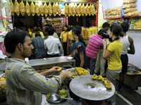 Eat Like a Local: Mumbai Street Food Tour by Night