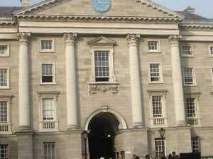 Dublin Historical Walking Tour including Trinity College Photos
