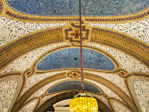 Chicago Walking Tour: Tiffany Art Glass Landmarks Photos