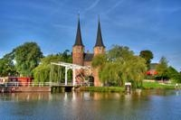 Private Walking Tour: Delft's Royal History and Pottery