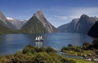 Te Anau Super Saver: Milford Sound Nature Cruise plus Te Anau Glowworm Cave Tour Photos